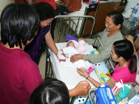 Sau bé Nhân ái, bạn đọc đã chung tay giúp đỡ cho những em bé họ Nhân có một cuộc sống mới